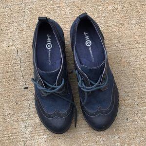 J-41 Adventure shoe